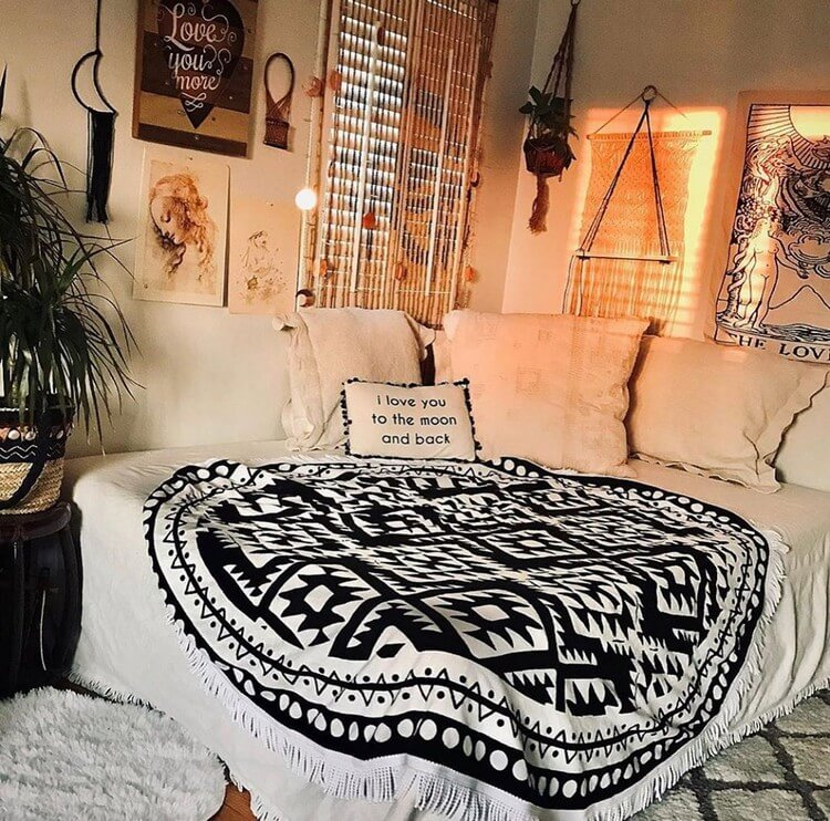 Bohemian Bedroom Decor (30)