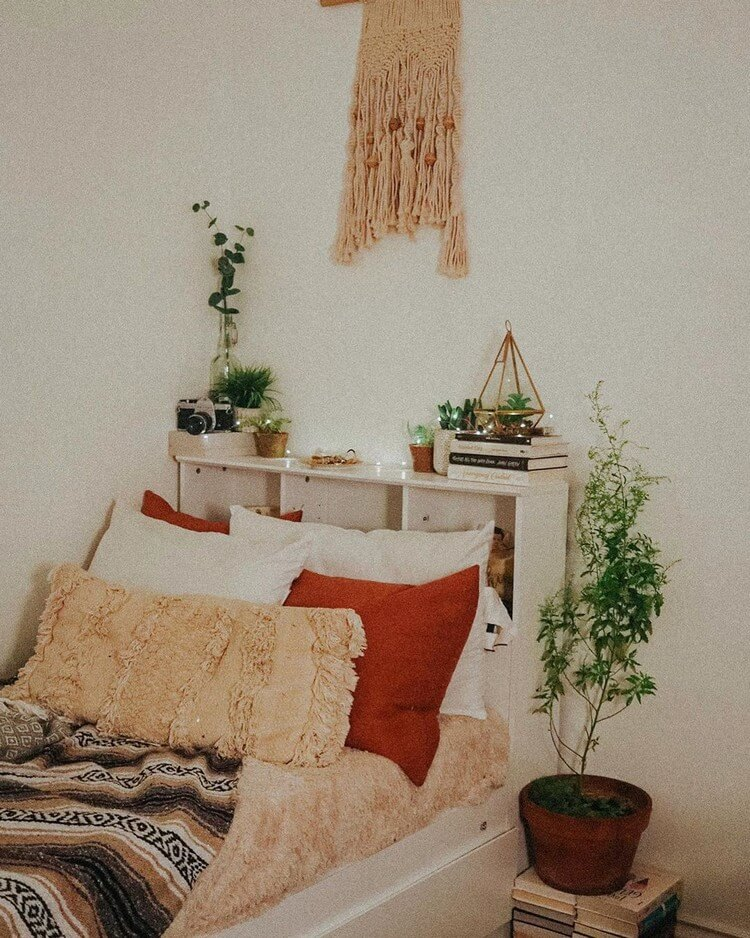 Bohemian Bedroom Decor (41)