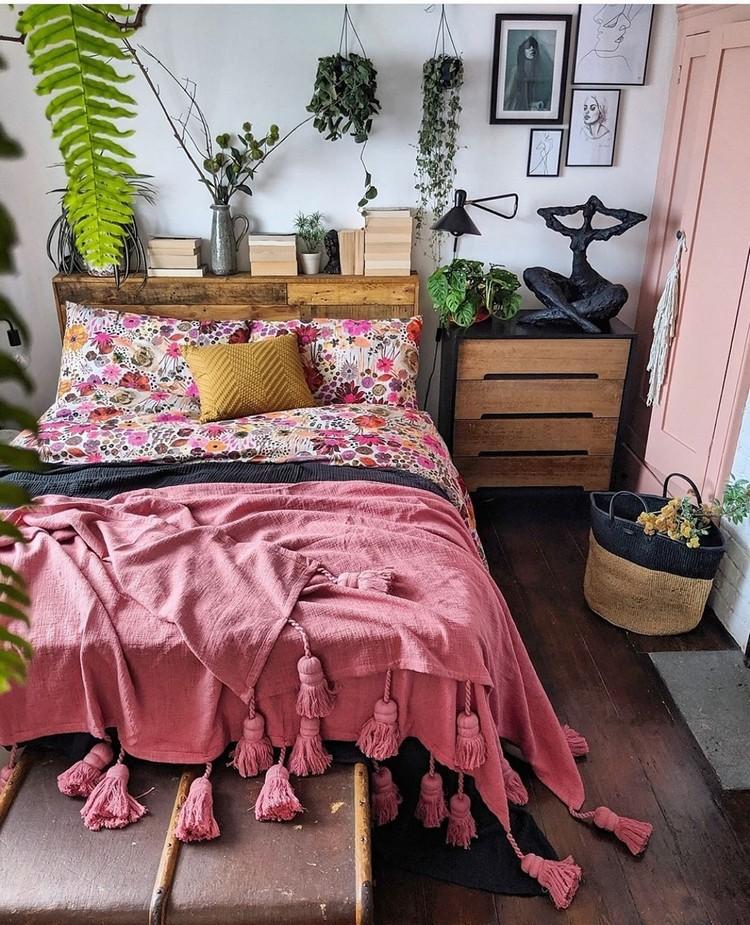 Bohemian Bedroom Decor Design (9)