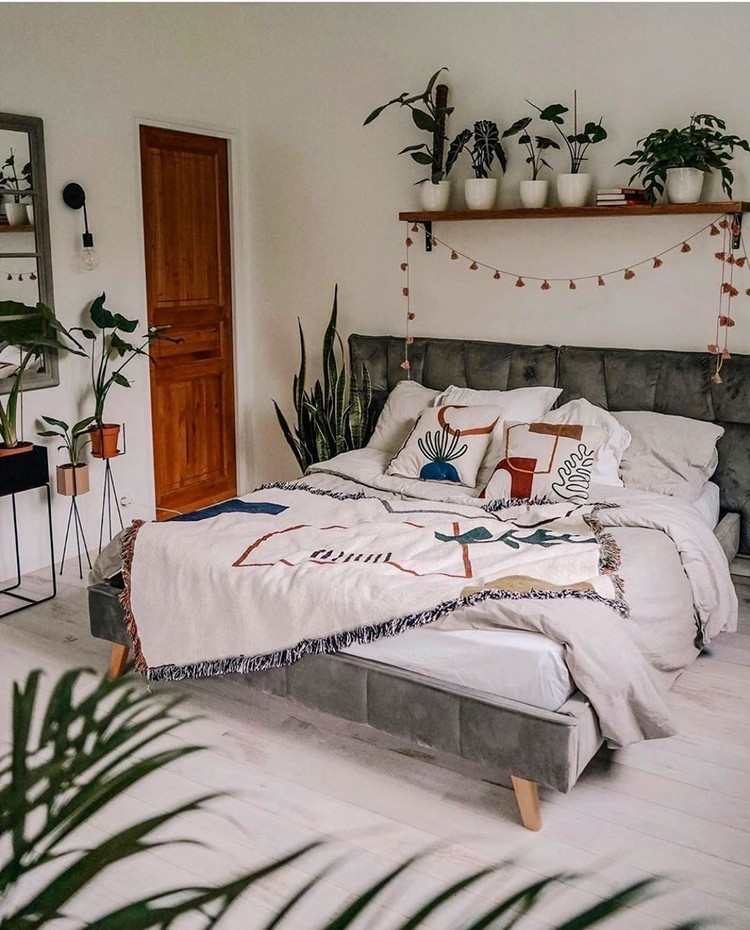 Bohemian Bedroom Decorating (24)
