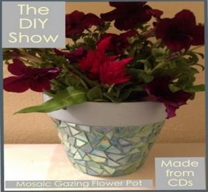 Mosaic Gazing Flower Pot Idea