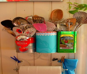 Storage Made of Recycled Tin Cans