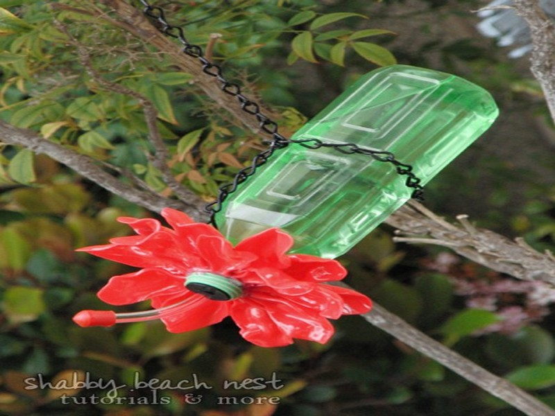 Recycled Plastic Bottle Birds Feeder