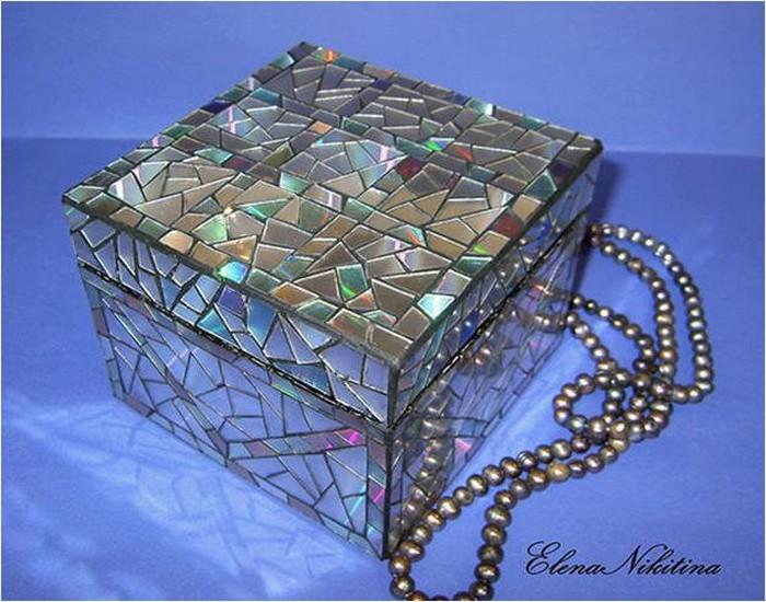 Recycling CDs Making Jewelry Box