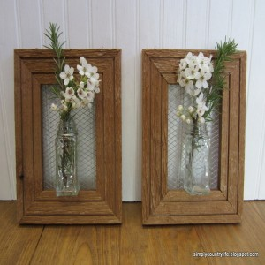 Recycled Picture Frames for Home Decor'