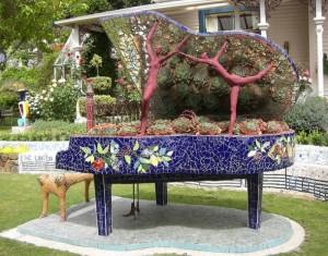 Beautiful Old Recycled Piano Decor Idea