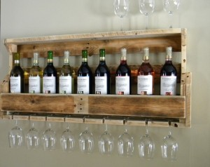 Creative Wine Rack Made from Reclaimed Pallet