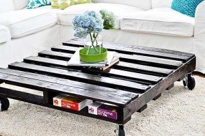 DIY Recycled Wooden Pallet Coffee Tables