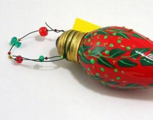 Recycled Light Blub Decor Idea