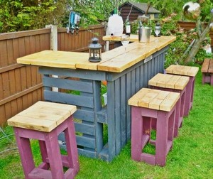 Repurposed Wooden Pallet Furniture for Patio Decor