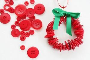 Upcycled Christmas Decor Idea Buttons Wreath