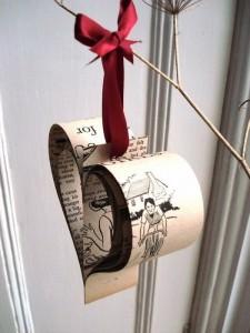 Upcycled Paper Christmas Decor Idea