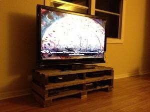 DIY Wooden Pallet TV Stand