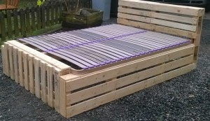 Recycled Pallet Bed Frame Projects