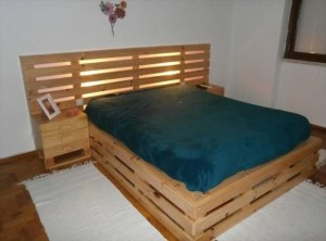 Recycled Pallet Bed Frame Plan