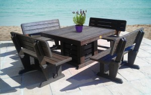 Recycled Plastic Furniture Table & Chairs