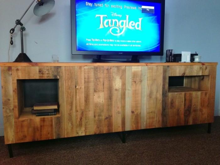 Wooden Pallet TV Stand & Rack