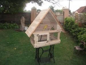DIY Pallet Wooden Birdhouse