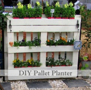DIY Recycled Pallet Planter