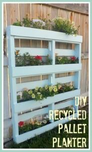 DIY Recycled Pallet Planter Idea