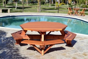 Upcycled Wooden Pallet Patio Dinning Tables