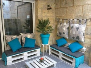 Outdoor Furniture Made from Wooden Pallet