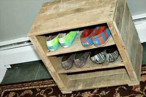 Pallet Wood Shoes Rack