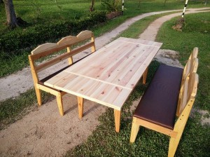 Recycled Pallet Outdoor Dinning Table