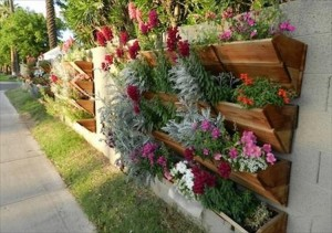 Recycled Pallets Verticle Garden