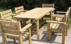 Wood Pallet Outdoor Dinning Table
