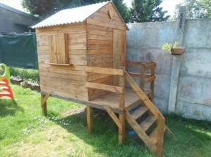 Wooden Pallet DIY Playhouse
