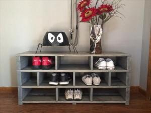 Wooden Pallet Shoes Rack