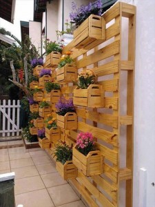 10 Things to Build with Pallets