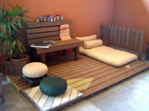 Wooden Pallet Patio Deck