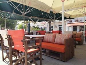 Pallet Cafe Outdoor Furniture
