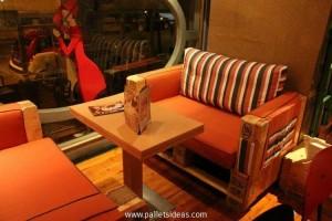 Wooden Pallet Cafe Furniture