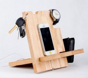 Reclaimed Pallet Cell Phone Holders