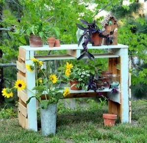 Pallet Potting Bench Idea