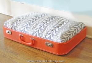 Old Suitecase Cat Bed
