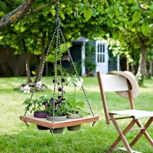 Pallet Wood Garden Swing Decor