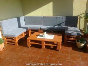 Recycled Pallet Corner Sofa