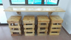 Pallet Wall Hanging Desk and Stools
