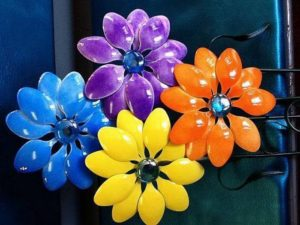 Flowers from Plastic Spoons