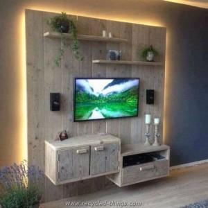 Pallet Wall TV Holder