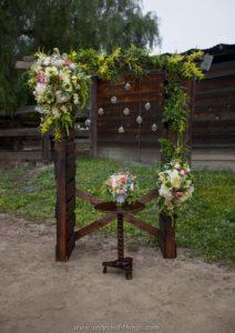Pallet Wedding Decor Idea