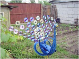Garden Art with Old CDs