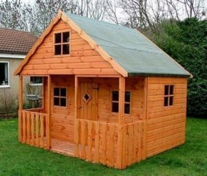 Playhouse Made with Pallets