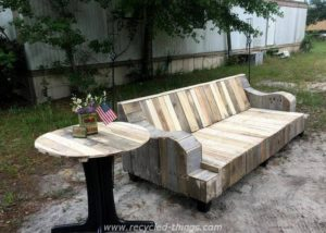 Reclaimed Pallet Patio Furniture