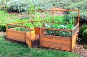Reised Pallet Garden Box