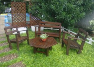 Recycled Pallet Garden Furniture Ideas